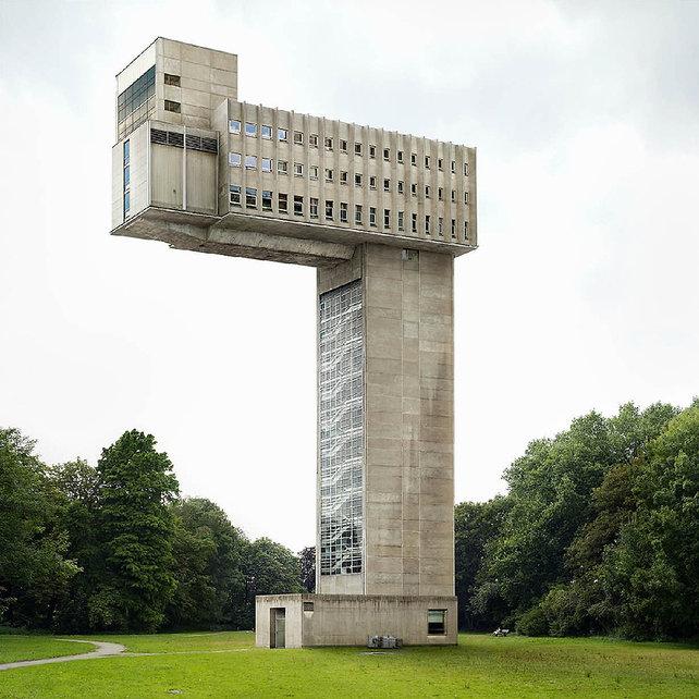 Impossible architecture.