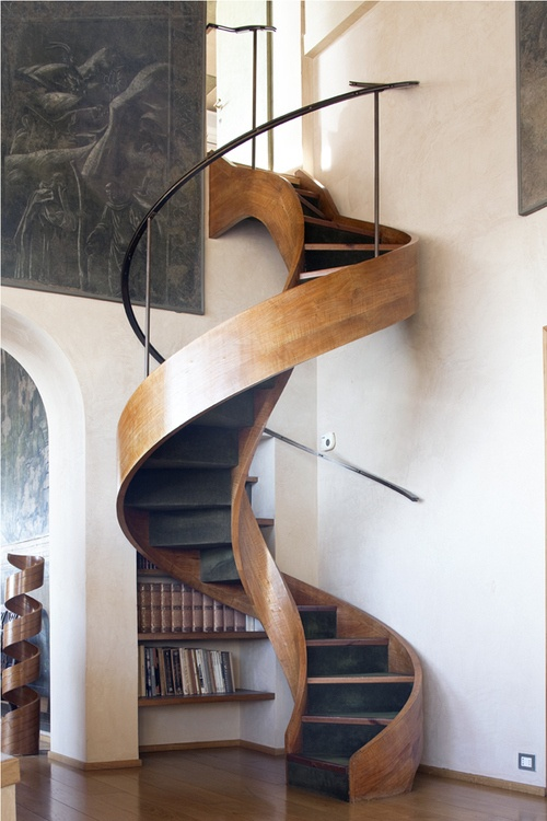How to spiral staircase.
