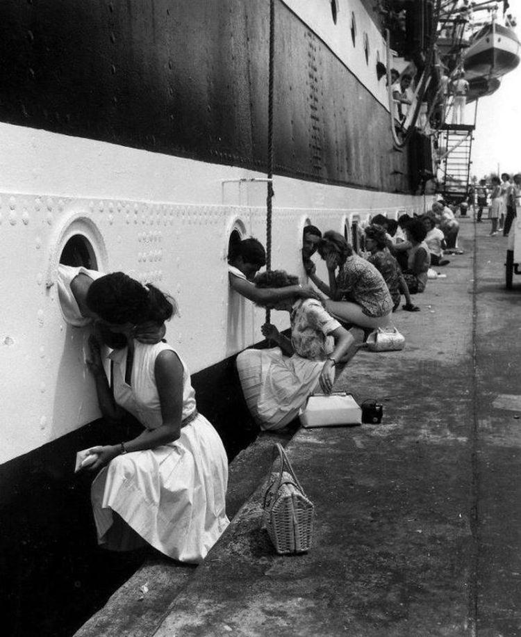"""Departure of the """"Amerigo Vespucci"""""""